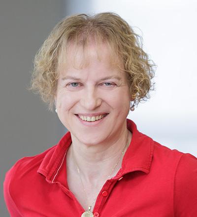 Frau Martina Heil